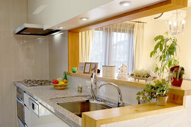 日進市の施工事例 ミカゲ石の高級キッチン
