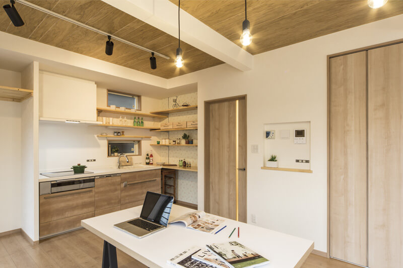 名古屋市緑区の施工事例 耐震補強に加え断熱性能もアップ。奥様こだわりのナチュラルな住まい