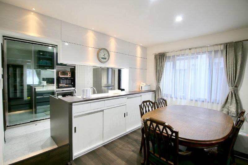 みよし市の施工事例 家具のように魅せるキッチン
