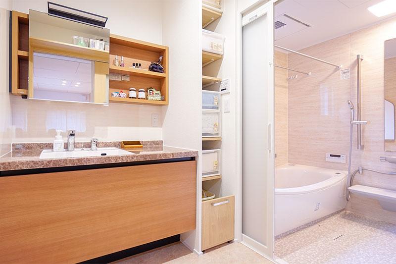 洗濯機を除きデザイン面を重視した浴室・洗面室