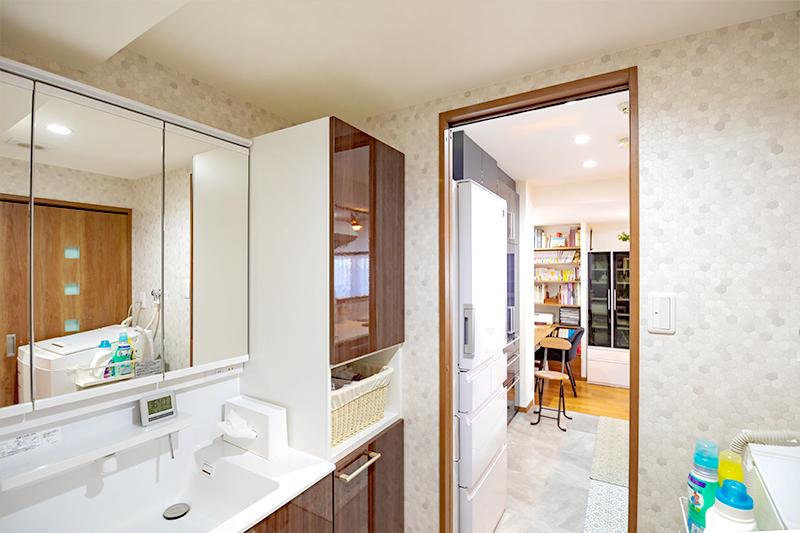 開放的な洗面所